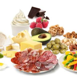 Перекусы и закуски на кето-диете: что можно?