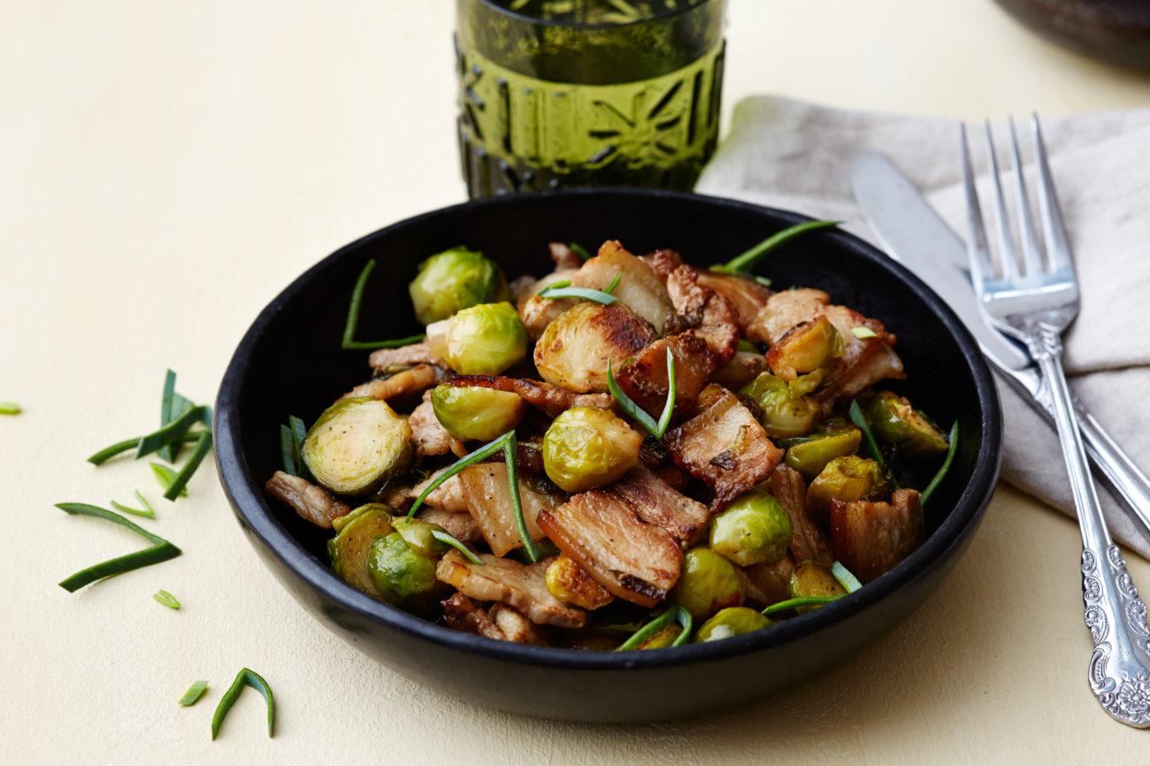 Кето-свинина с брюссельской капустой в китайском стиле