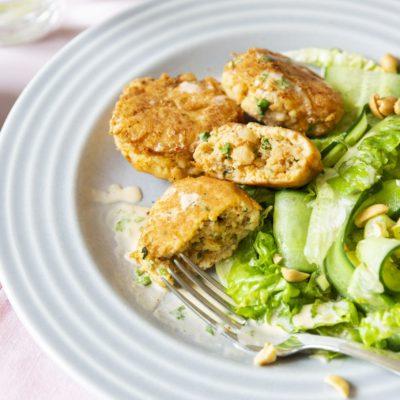 Крабовые кето-котлетки с огуречным салатом